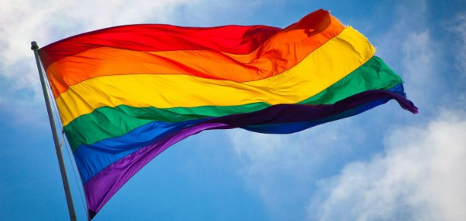 Гомофобов нужно позорить на всю страну