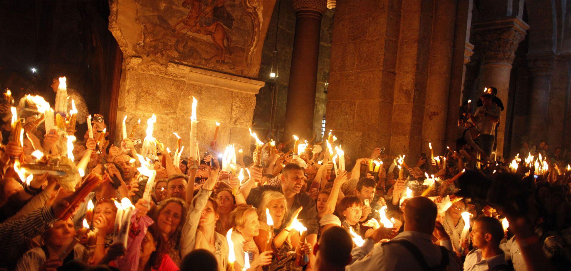 Це диво! Благодатний вогонь зійшов в Єрусалимі. онлайн