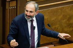 'Майдан' в Вірменії: лідер протестів заявив про союз з Кремлем