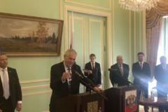 Президенту Чехии не налили водки в посольстве РФ: тот огорчился