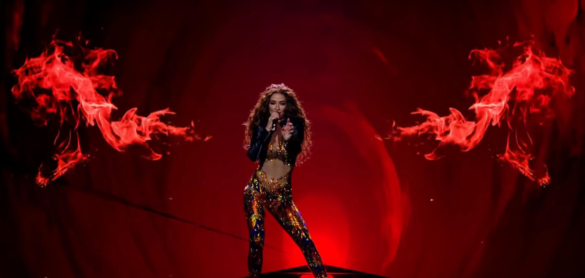 ''Увидимся на Кипре'': фаворитка ''Евровидения-2018'' эффектно зажгла в финале
