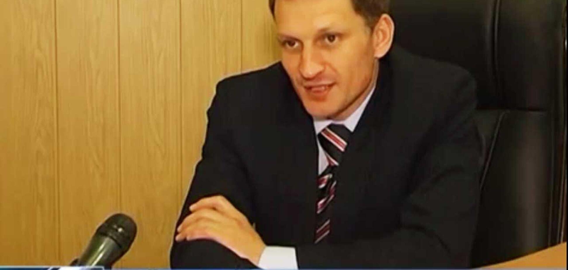 Син не любить Україну? З'явилися подробиці про ректора з Сум, який відправив студентів у Крим