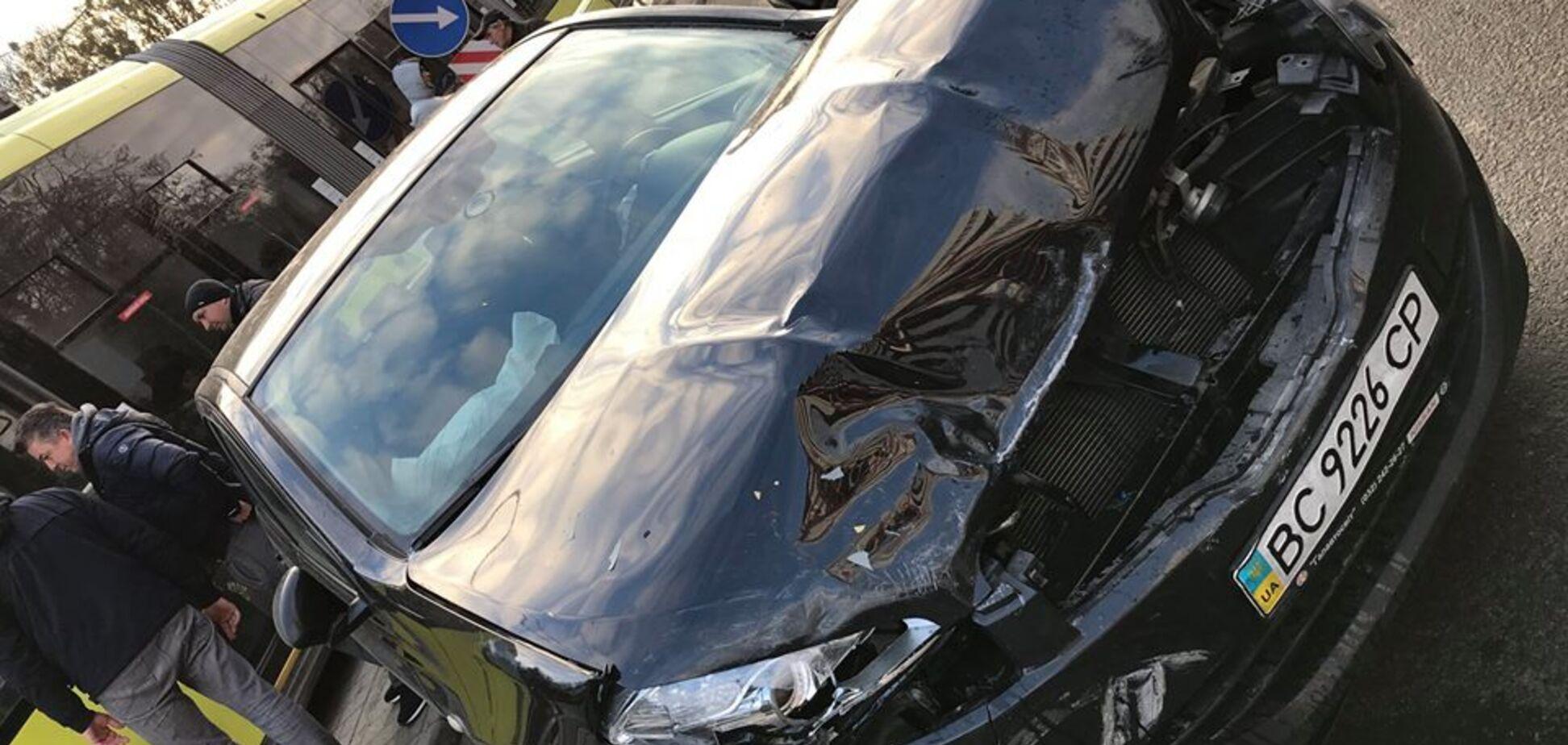У Львові дівчинка на Porsche влаштувала ДТП: покарання здивувало