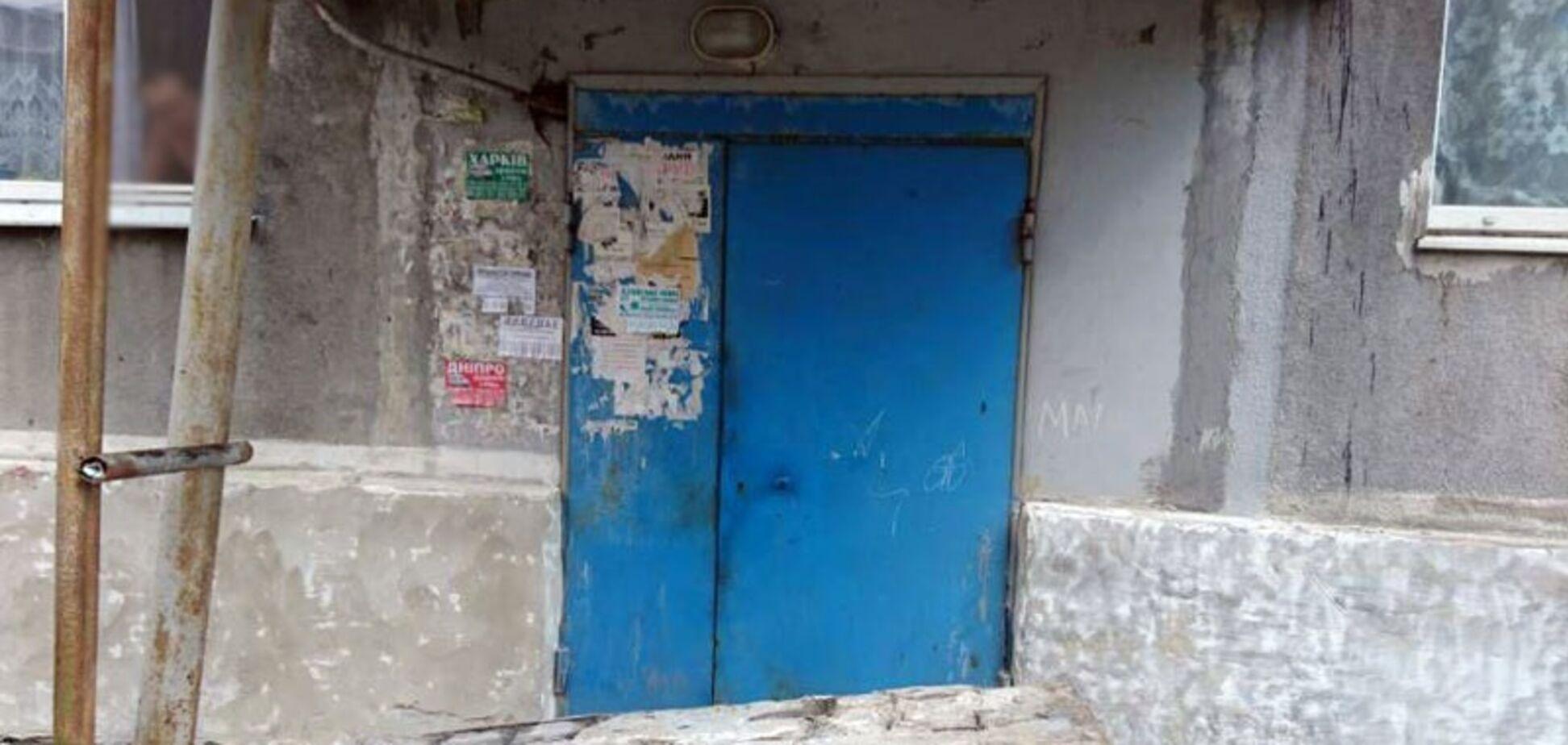 На Донбасі померла дівчинка, на яку впала бетонна стіна