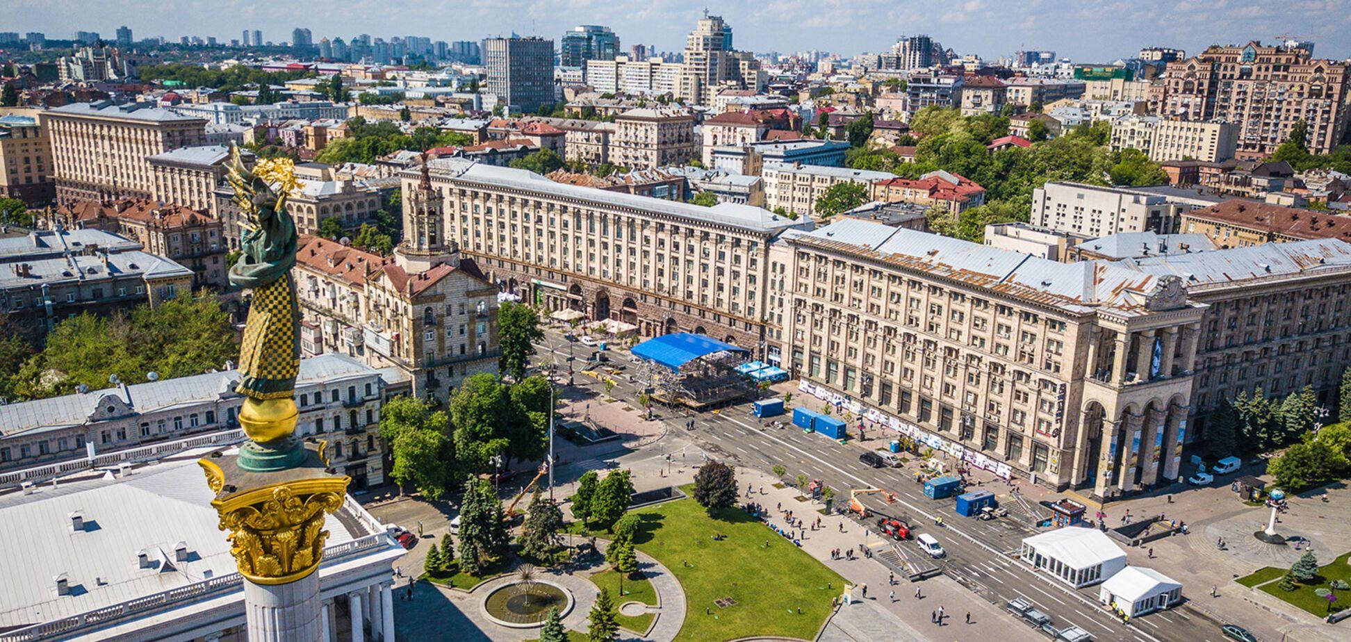 Як в Києві 'росте' фан-зона до фіналу Ліги чемпіонів: відео з висоти