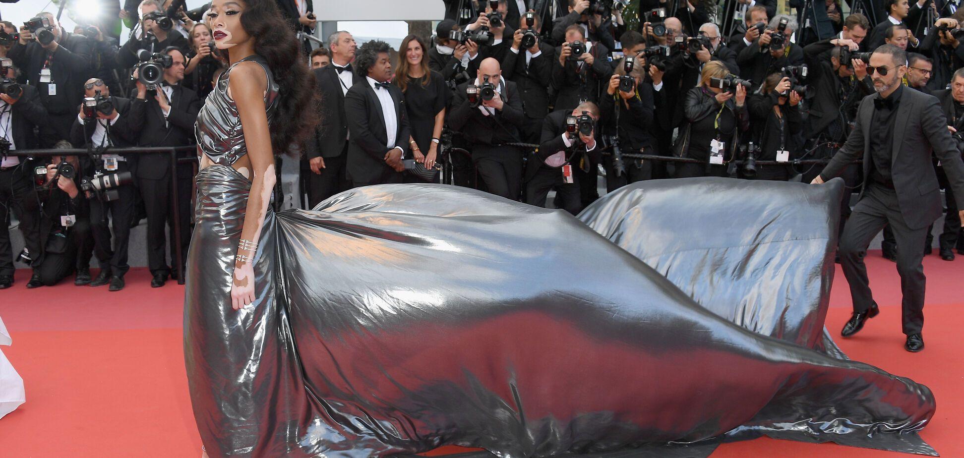 Канни-2018: незвичайна супермодель вразила сукнею