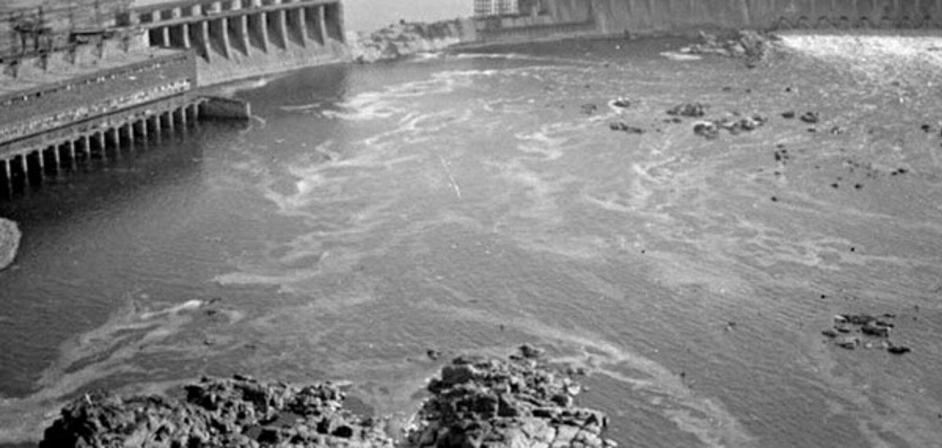 Взрыв плотины ДнепроГЭС: в сеть попали уникальные архивные кадры