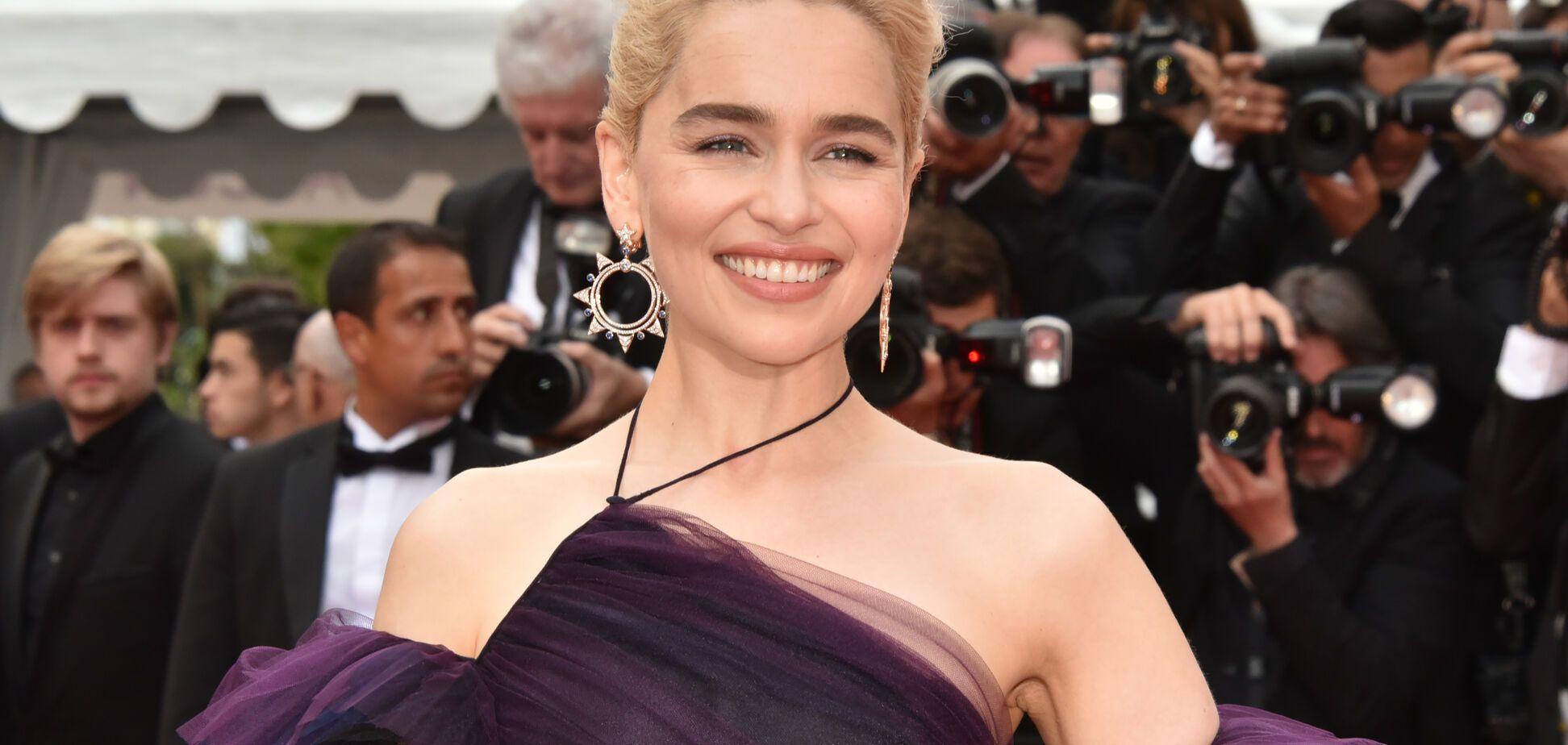 Канни-2018: на шикарне плаття Емілії Кларк пішло 250 годин роботи