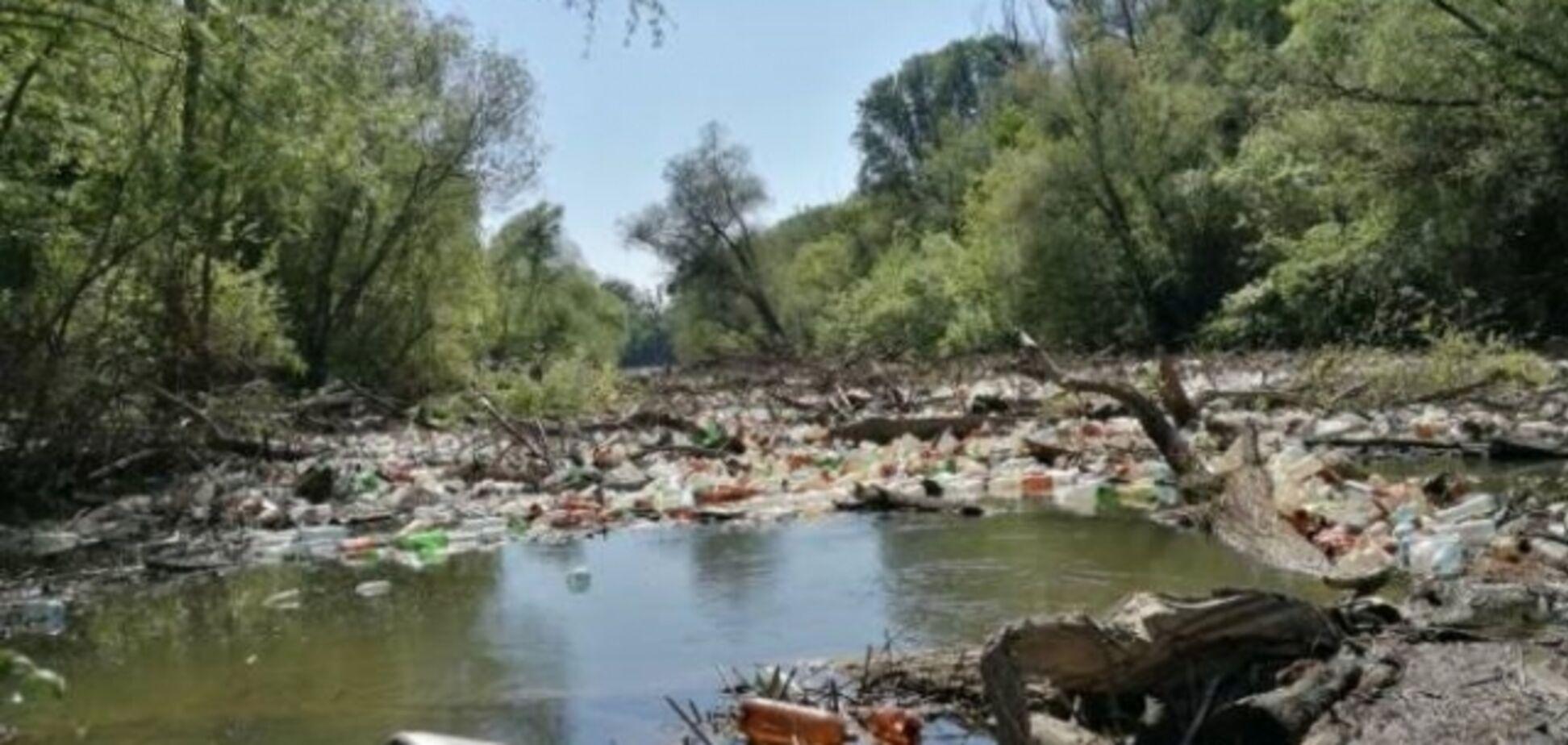 Венгрия потребовала наказать Украину за мусор в реках