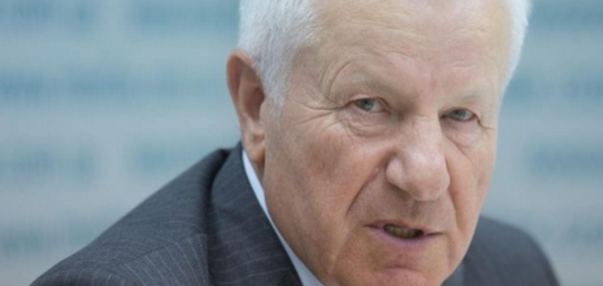 Извинитесь за дружбу с РФ: Мороз попал в публичный скандал