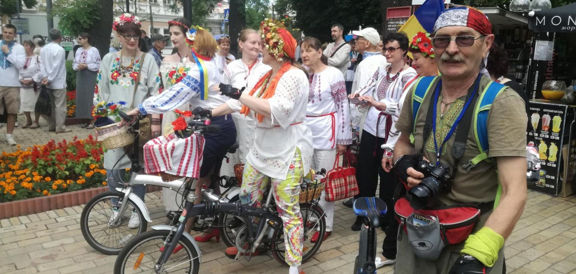 В Киеве устроили 'Мегамарш вышиванок'