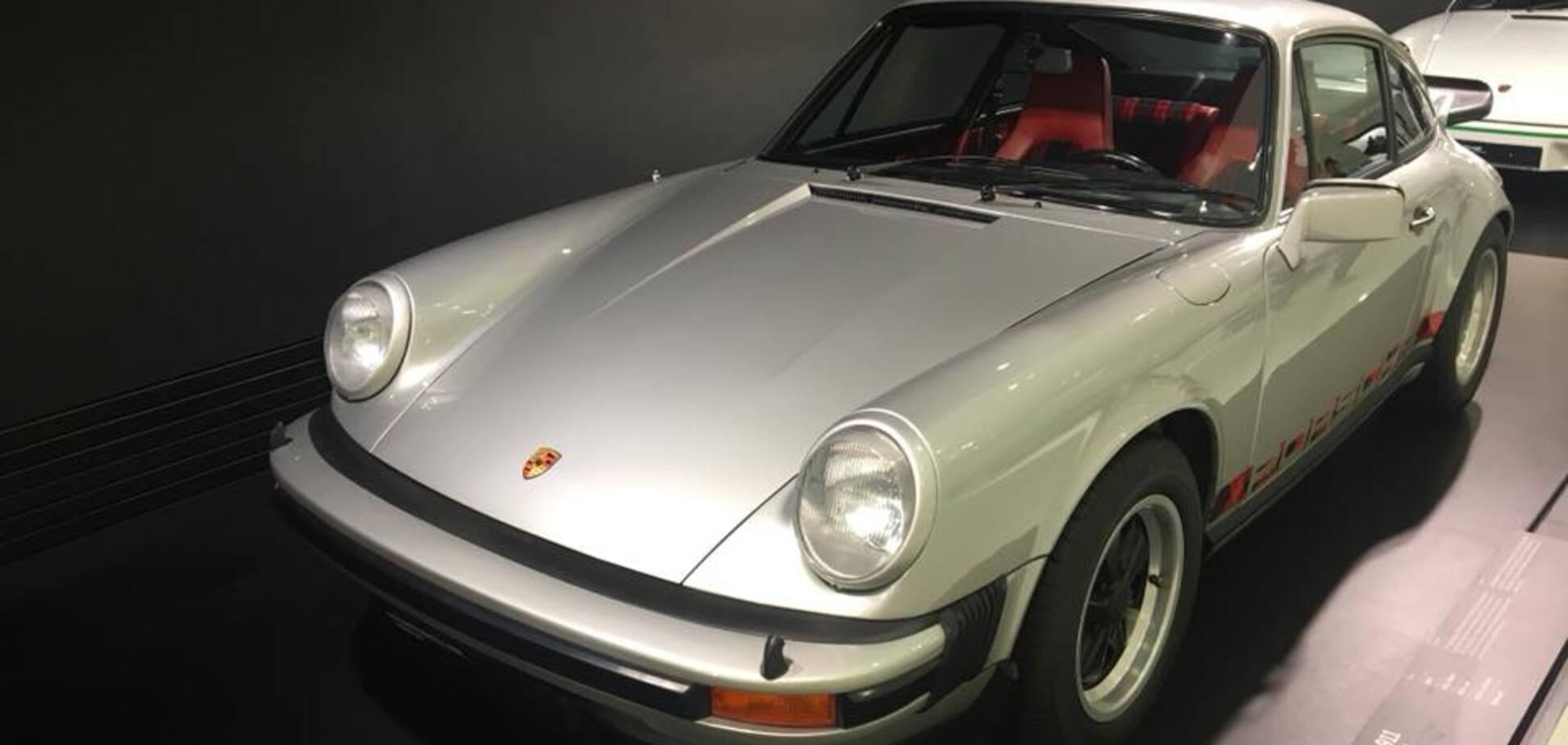 Музей Porsche в Штутгарті