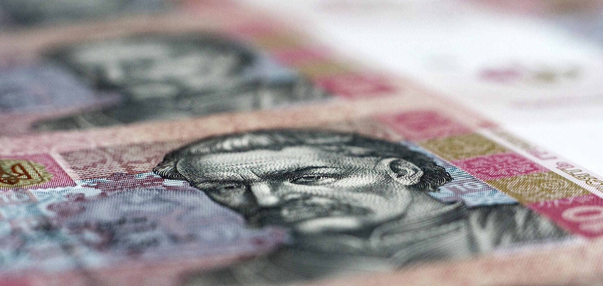 Алименты в Украине: названа сумма взысканных с неплательщиков денег