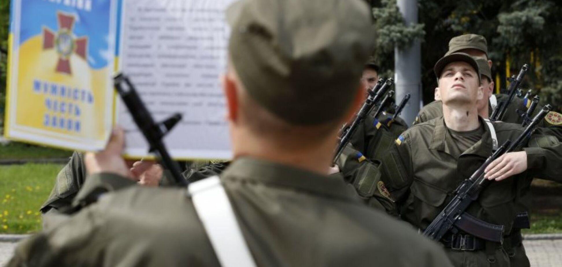 Доведення до самогубства? У Тернополі призовник випав з 5 поверху військкомату