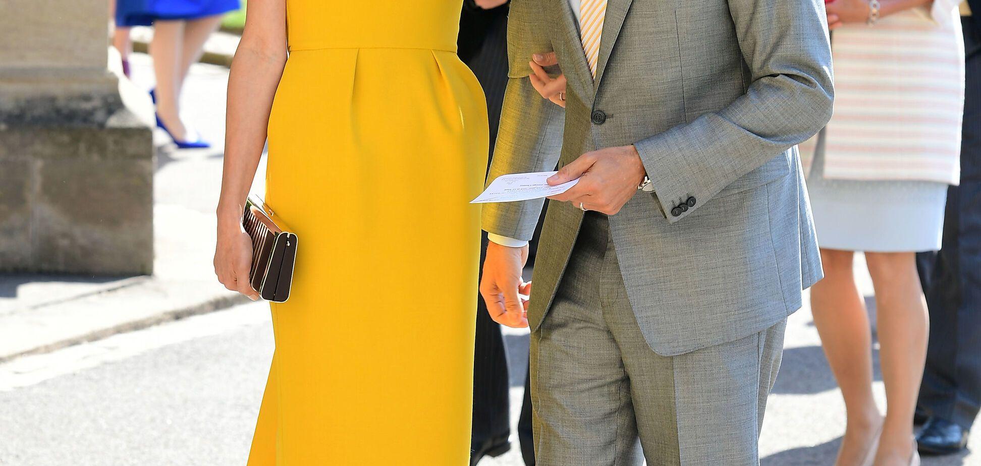 Амаль Клуни появилась на свадьбе принца Гарри в ярком наряде