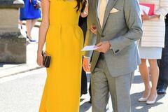 Амаль Клуні з'явилася на весіллі принца Гаррі в яскравому вбранні