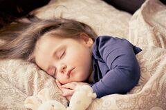 Первая простуда у ребенка: как быть