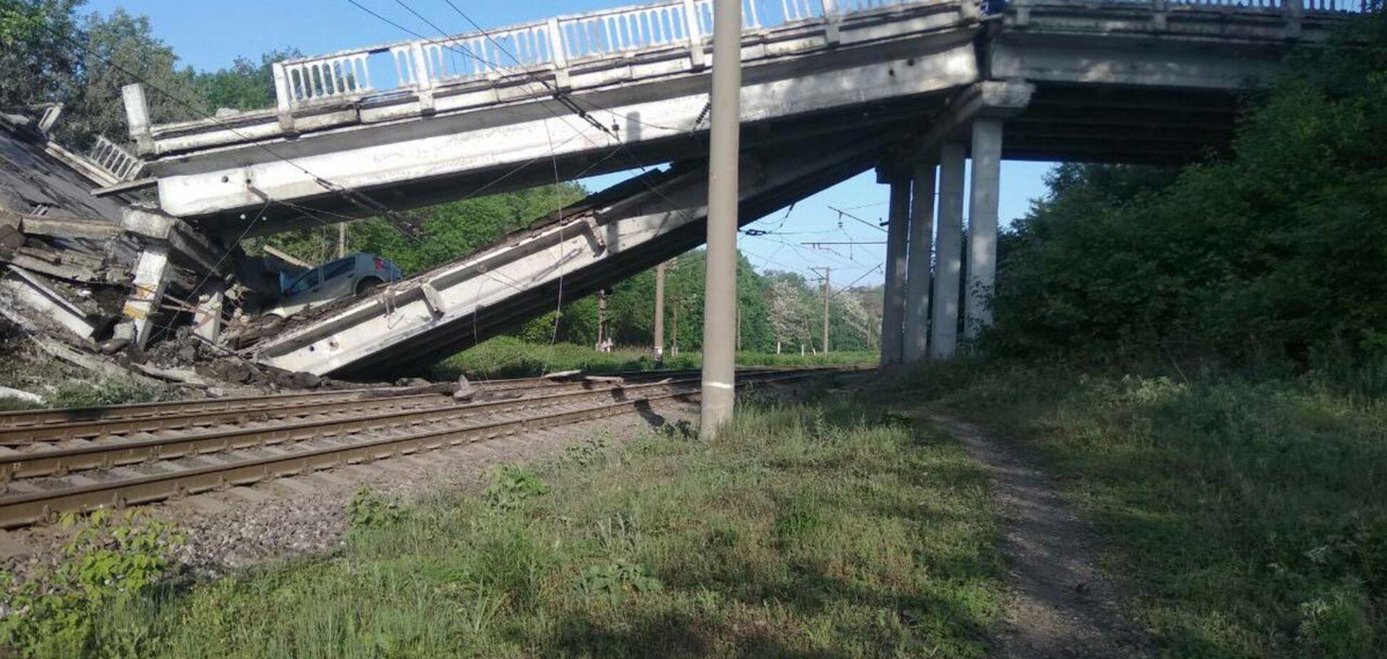 'Вибуху могло і не бути': названа причина руйнування мосту на Донбасі