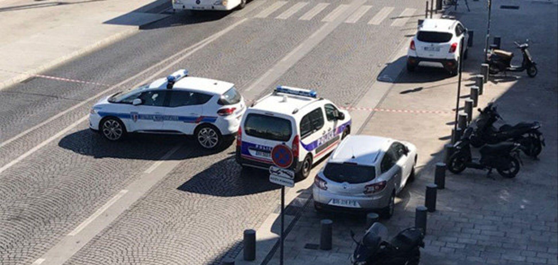 У Марселі люди в масках обстріляли натовп людей