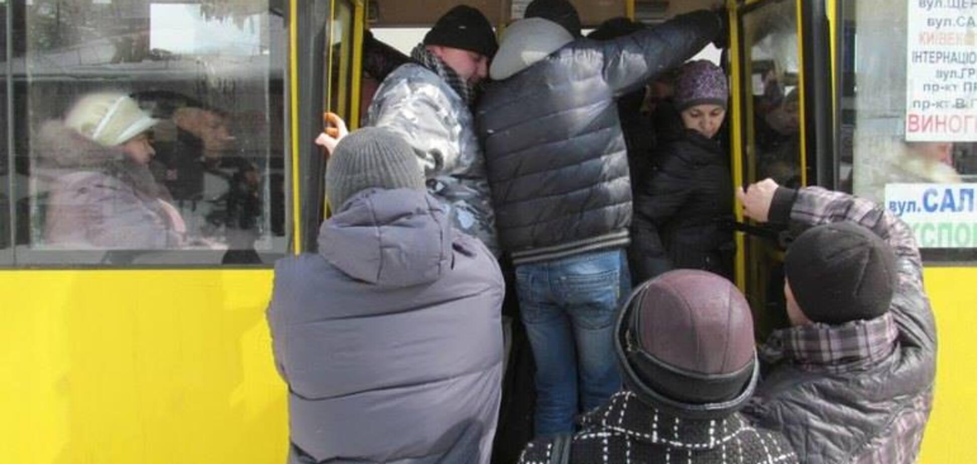 Насильство в маршрутках: чому українці дозволяють себе принижувати