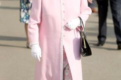 Гарніше, ніж на весіллі принца Гаррі: Єлизавета II вразила ніжним образом