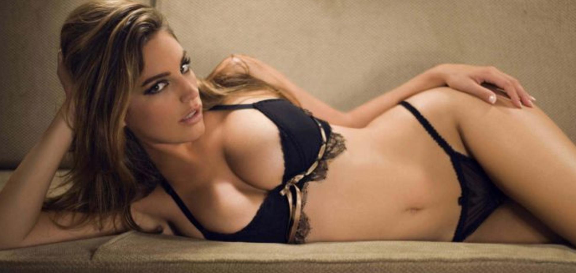 Пластичні хірурги назвали розмір грудей, що робить жінок щасливими