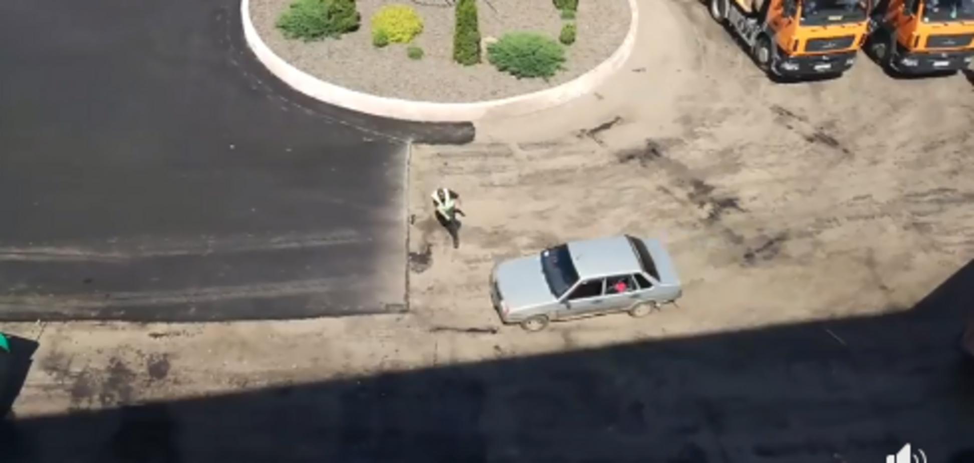 Під Києвом копи влаштували погоню зі стріляниною за дівчиною-водієм. Відеофакт