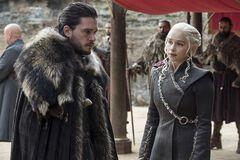 Букмекеры сделали прогнозы на то, кто займет железный трон в 8 сезоне 'Игры престолов'