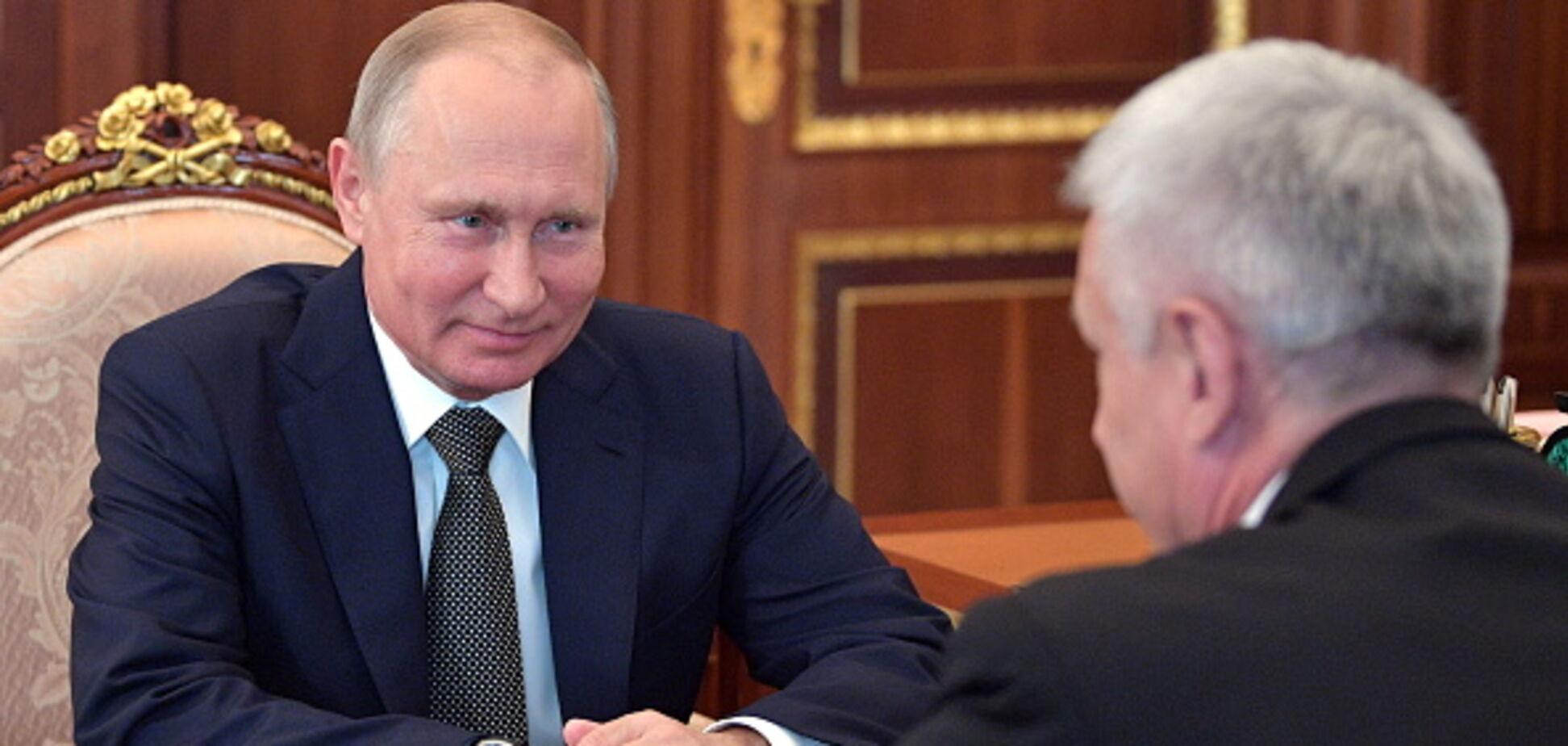 'Клонирует' подчиненных: у Путина заметили странную особенность