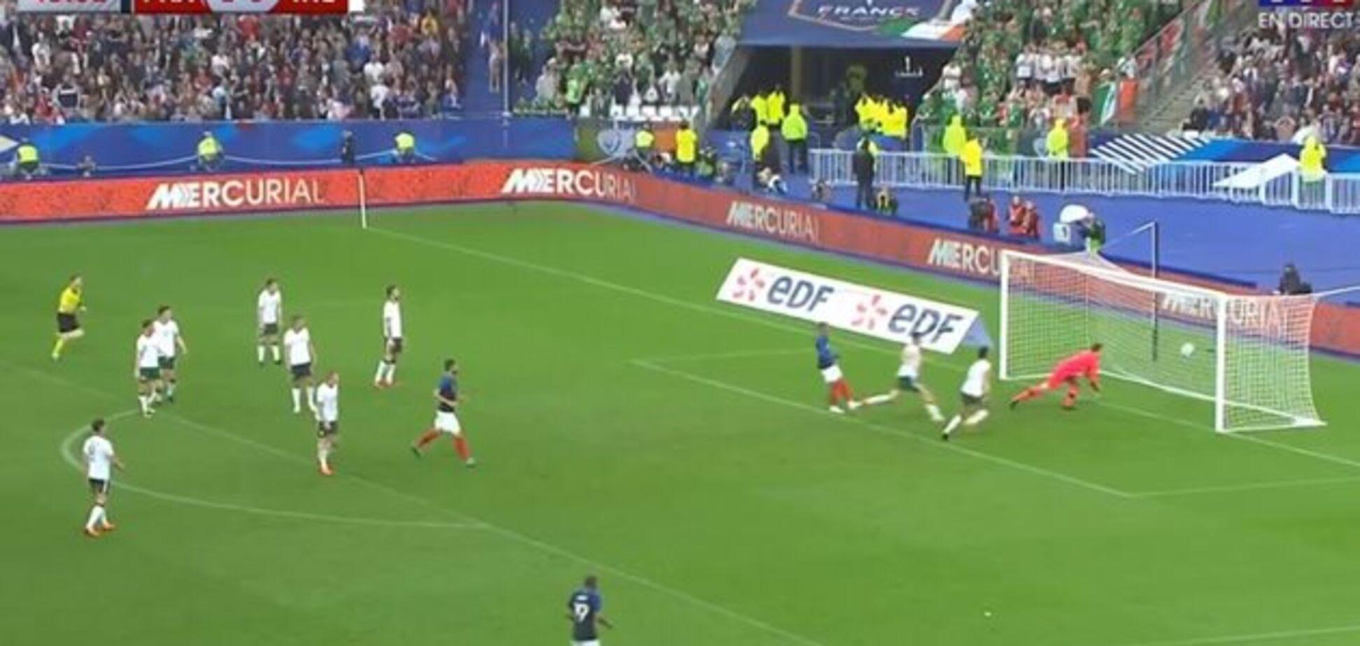 Заразився від Каріуса: воротар збірної Ірландії зробив дикий ляп в матчі з Францією - відео курйозу
