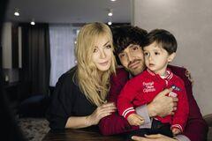 Ірина Білик з чоловіком Асланом Ахмадовим і сином Тебріз