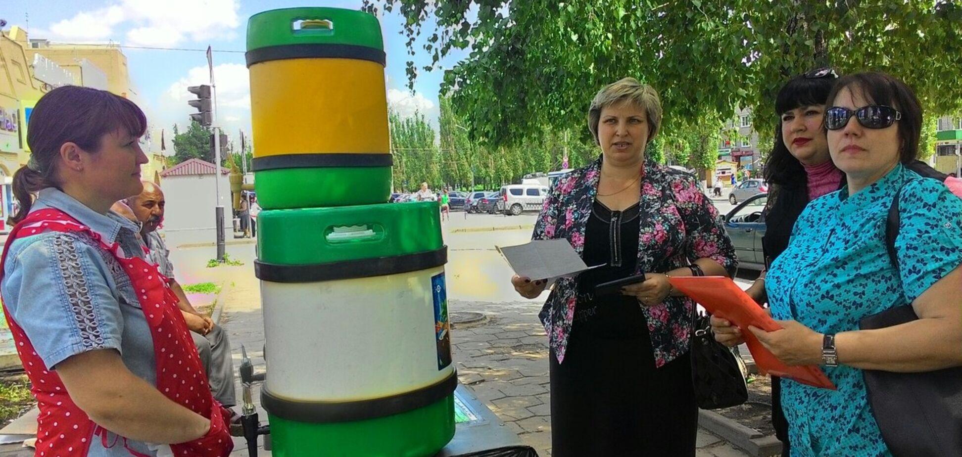 Грязь и черви: украинцев предупредили о 'сюрпризах' кваса из бочек