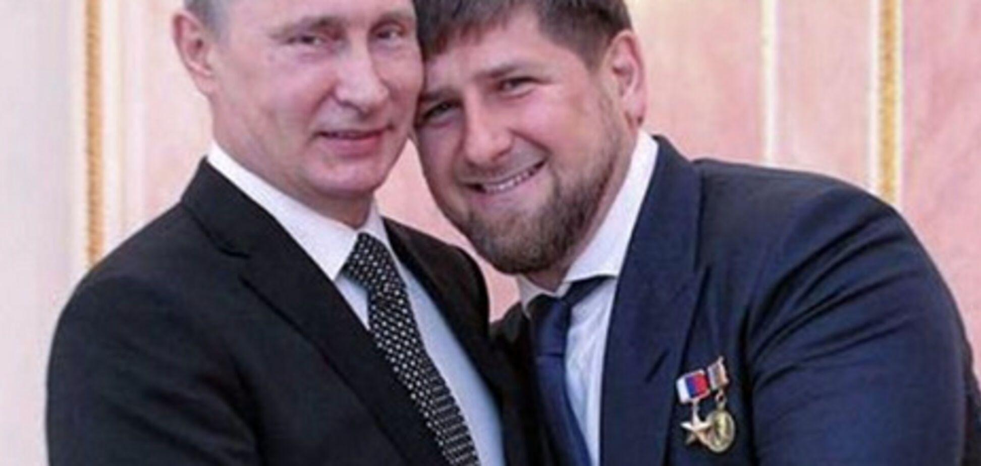 Крепость российской власти рассыпалась, как карточный домик