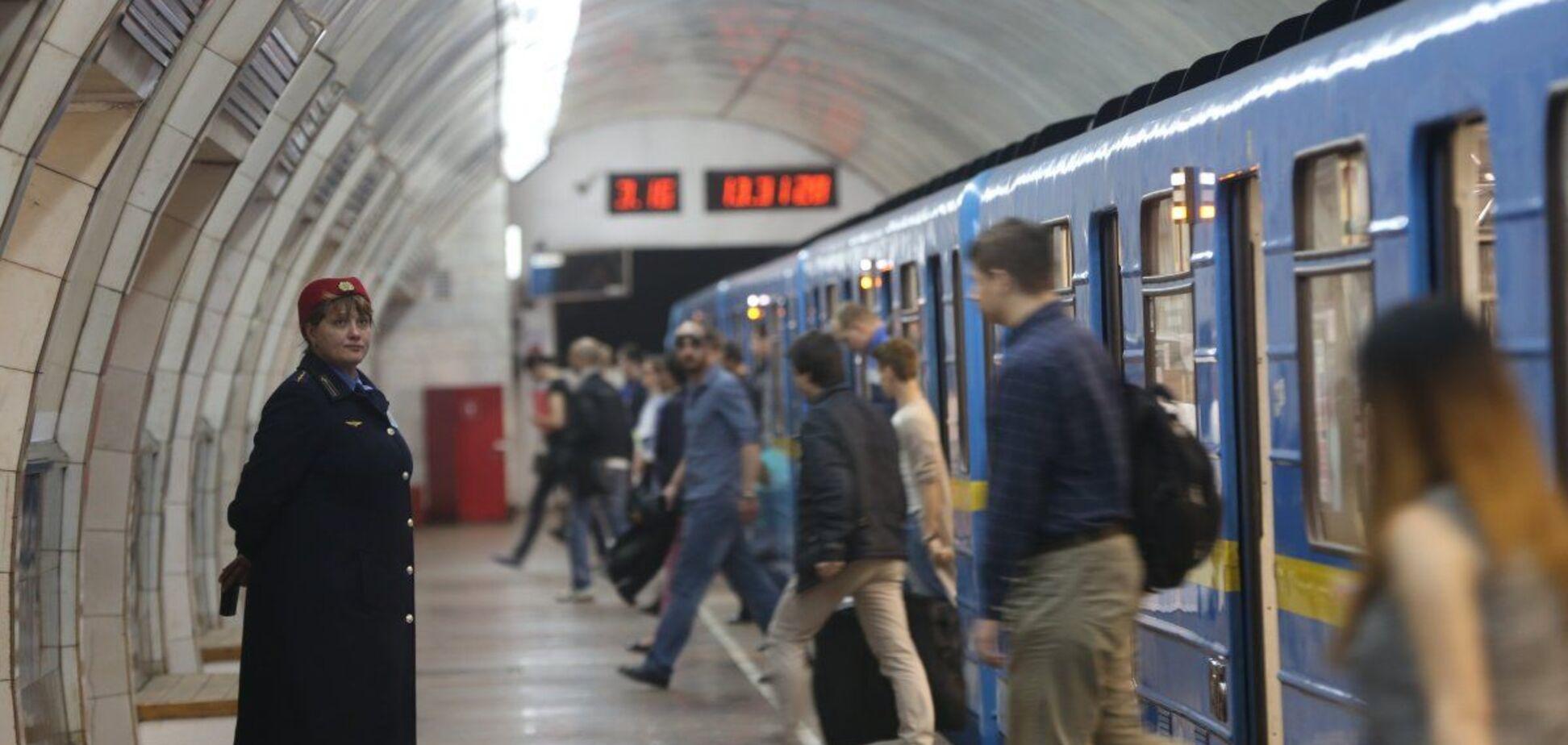 В киевском метро показали танцующего экстремала