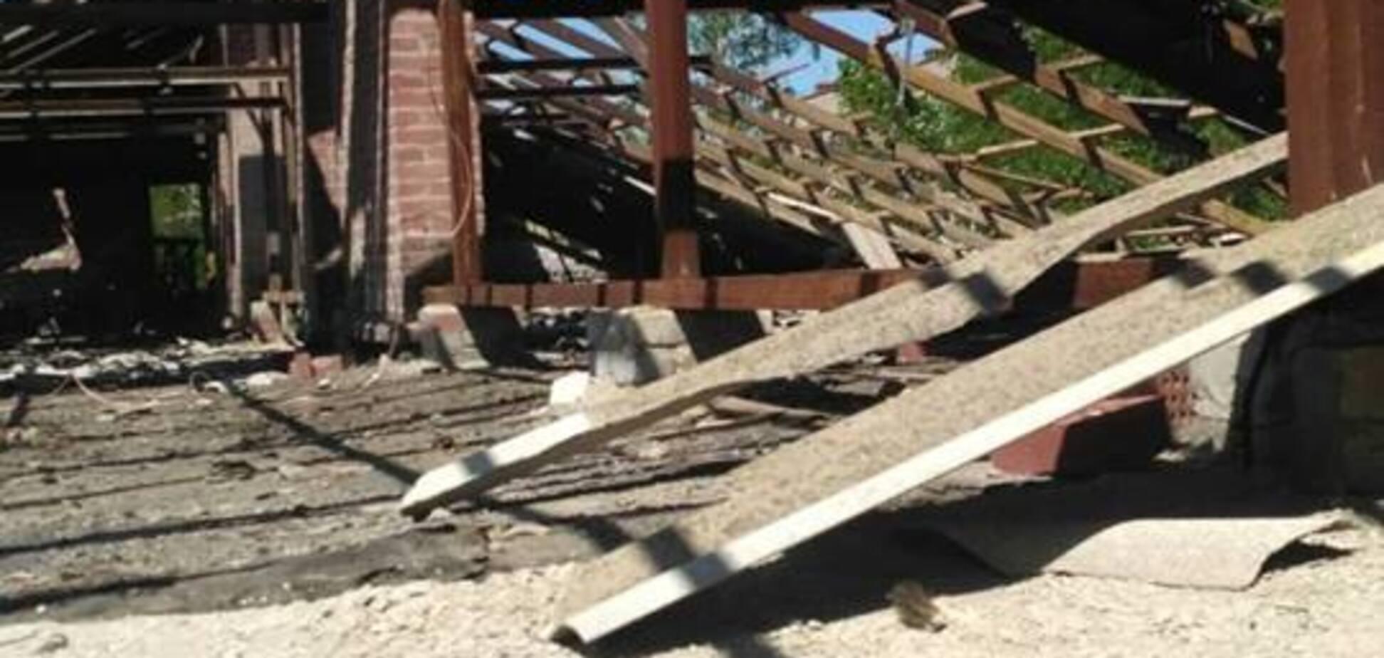 Терористи 'ДНР' обстріляли житлові будинки Майорська: з'явилися фото руйнувань