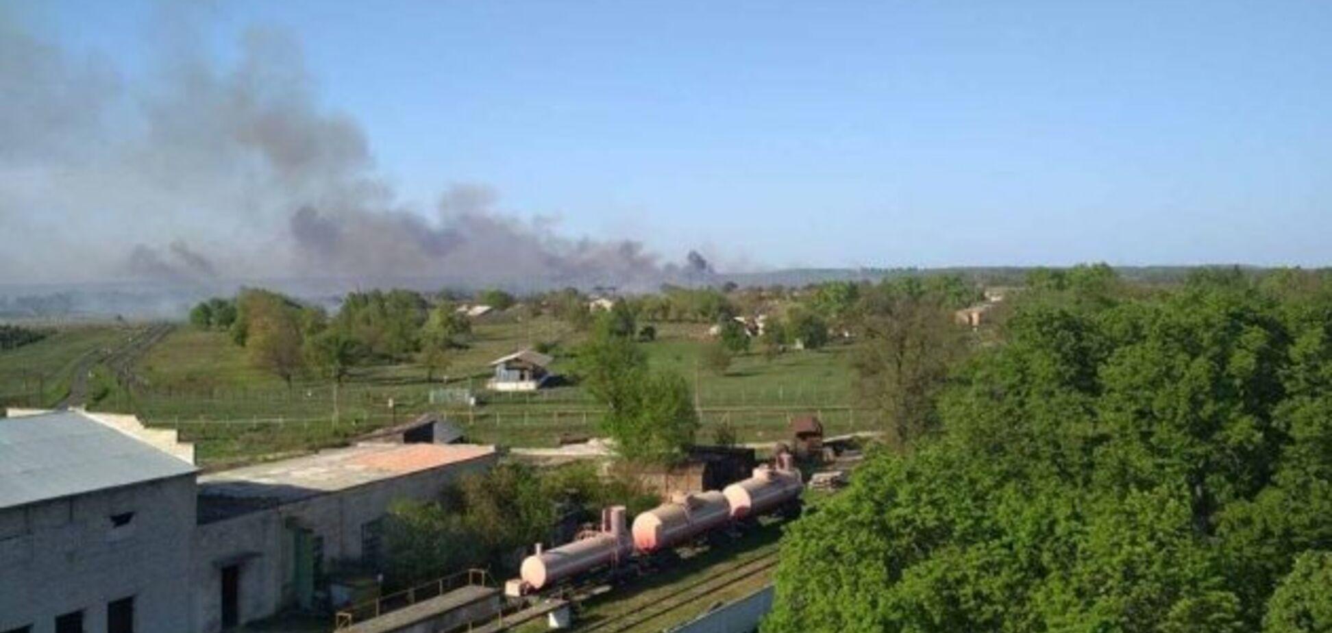 Вибухи в Балаклії: для гасіння пожежі задіяли авіацію