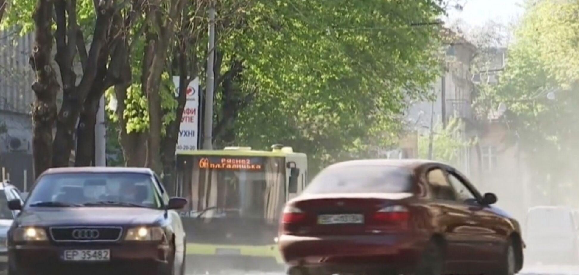 'Повний рот піску': Львів задихається від пилу