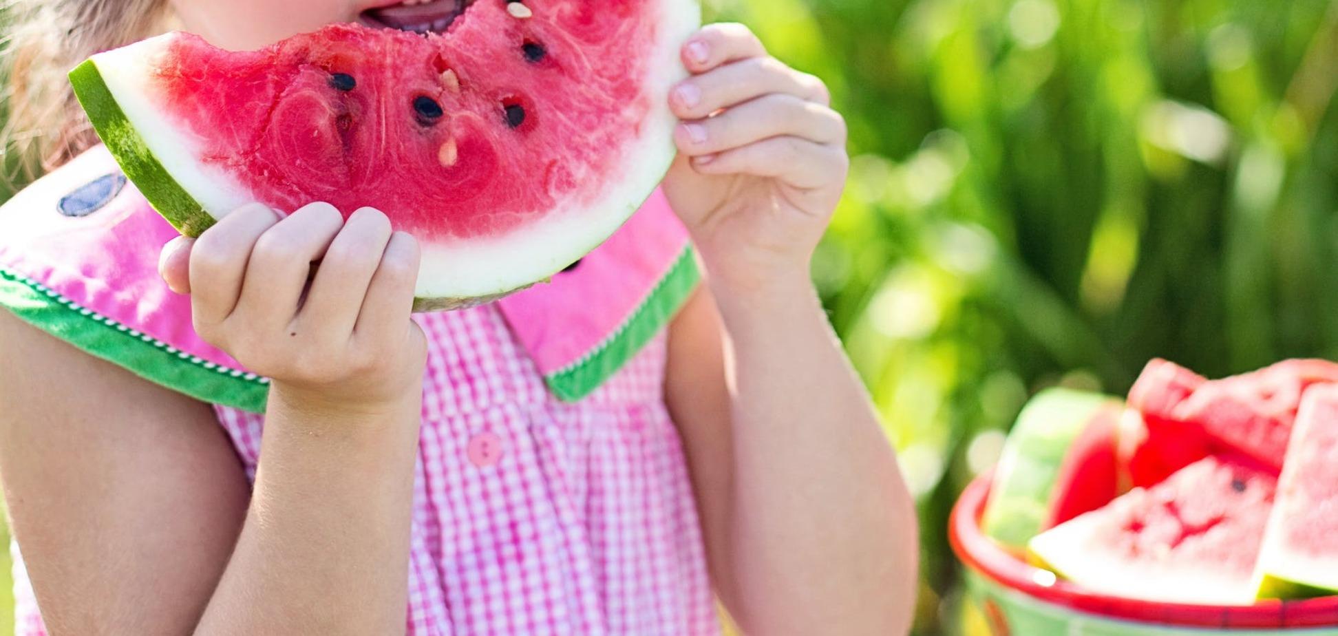 Овочі і фрукти в місті: журналісти попередили про небезпеку