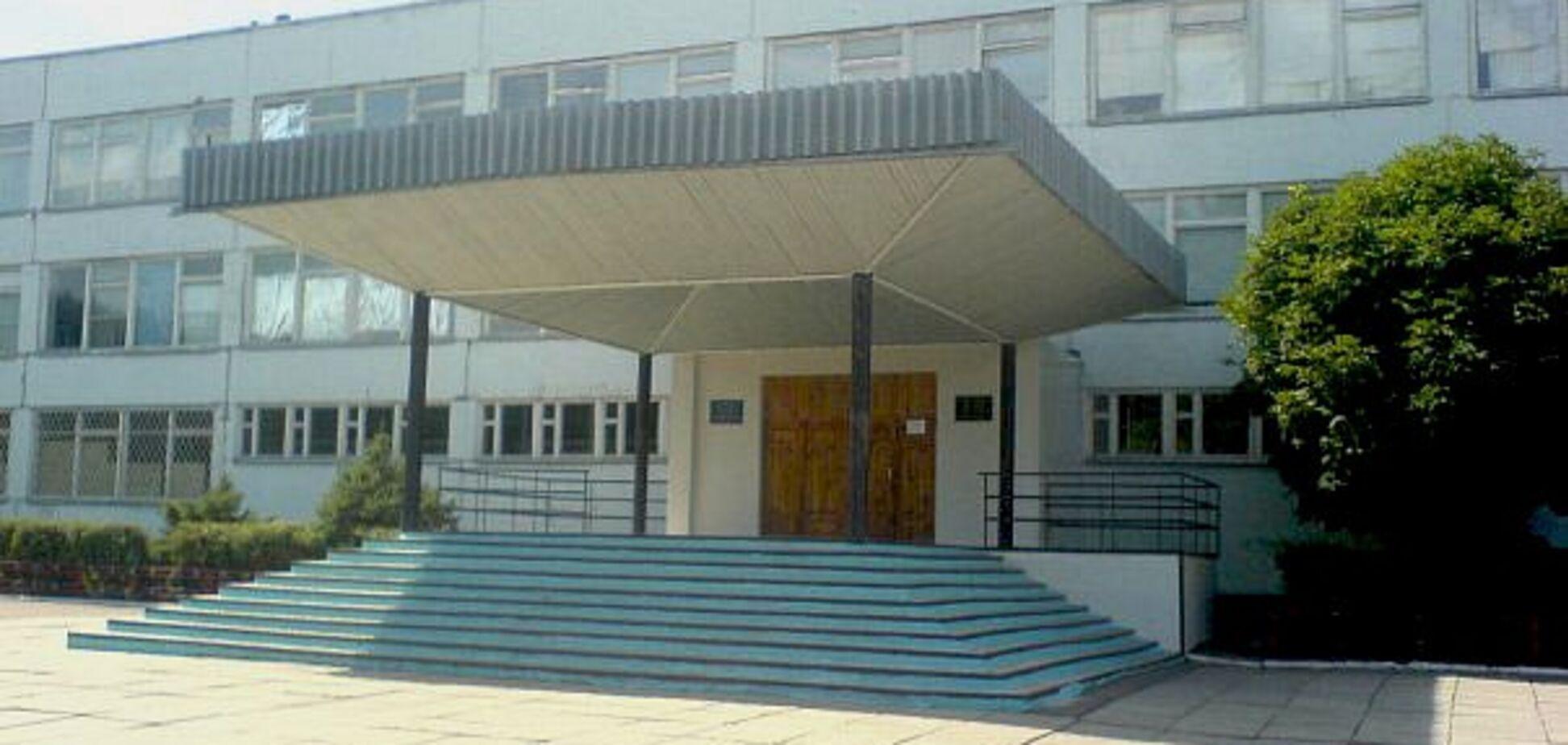 На Дніпропетровщині дітям масово стало погано на шкільній лінійці