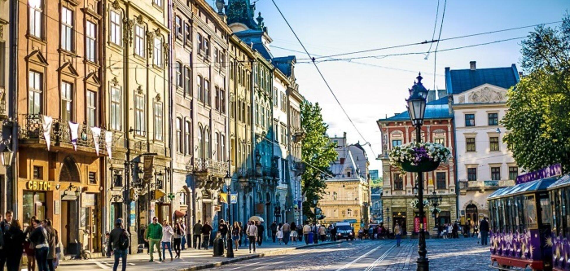 У Львові покарали за пластикові вікна власників будинків
