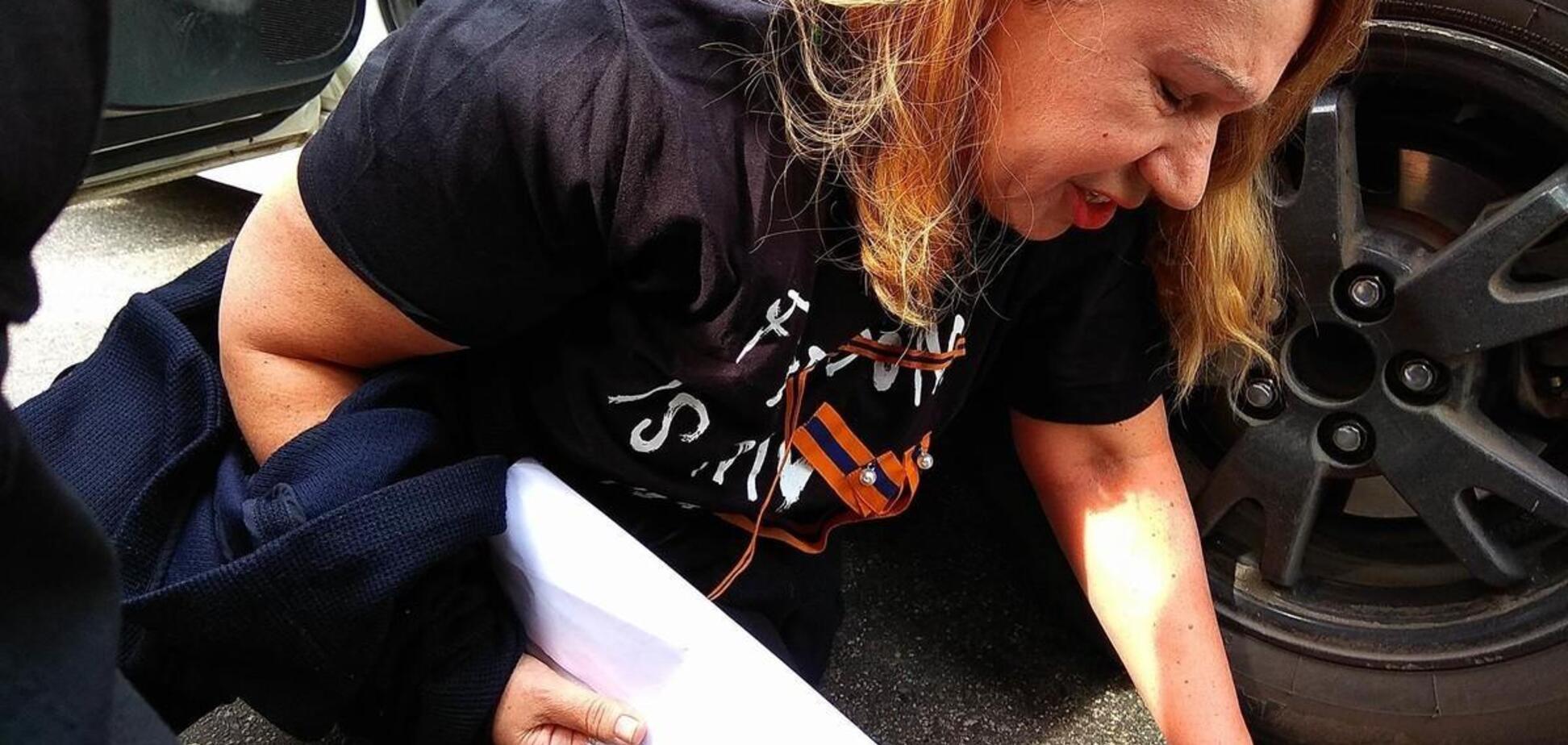 Повалили на підлогу і били: мати Бережної розповіла про затримання 9 травня