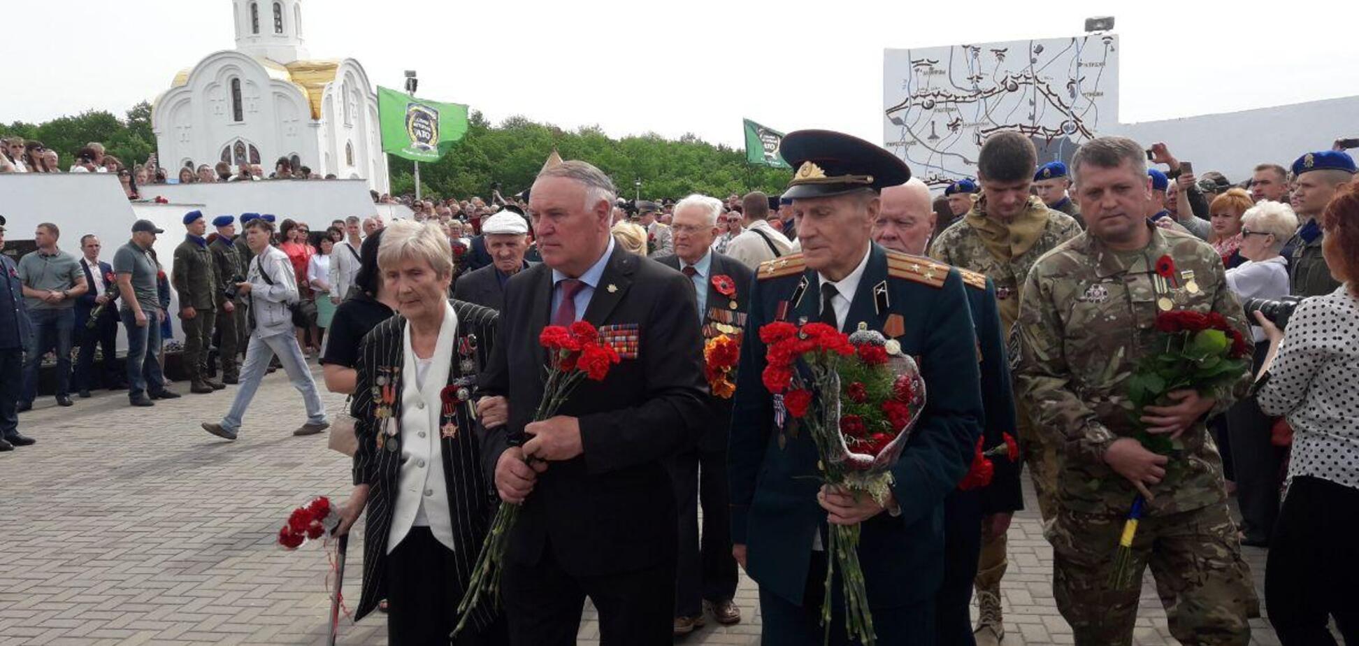 Ветераны Второй мировой и воины АТО отмечают День Победы вместе - глава ХОГА Светличная