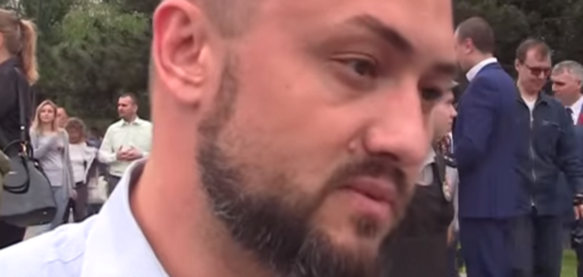 У Миколаєві депутату влаштували інтерв'ю з фалоімітатором: відеофакт