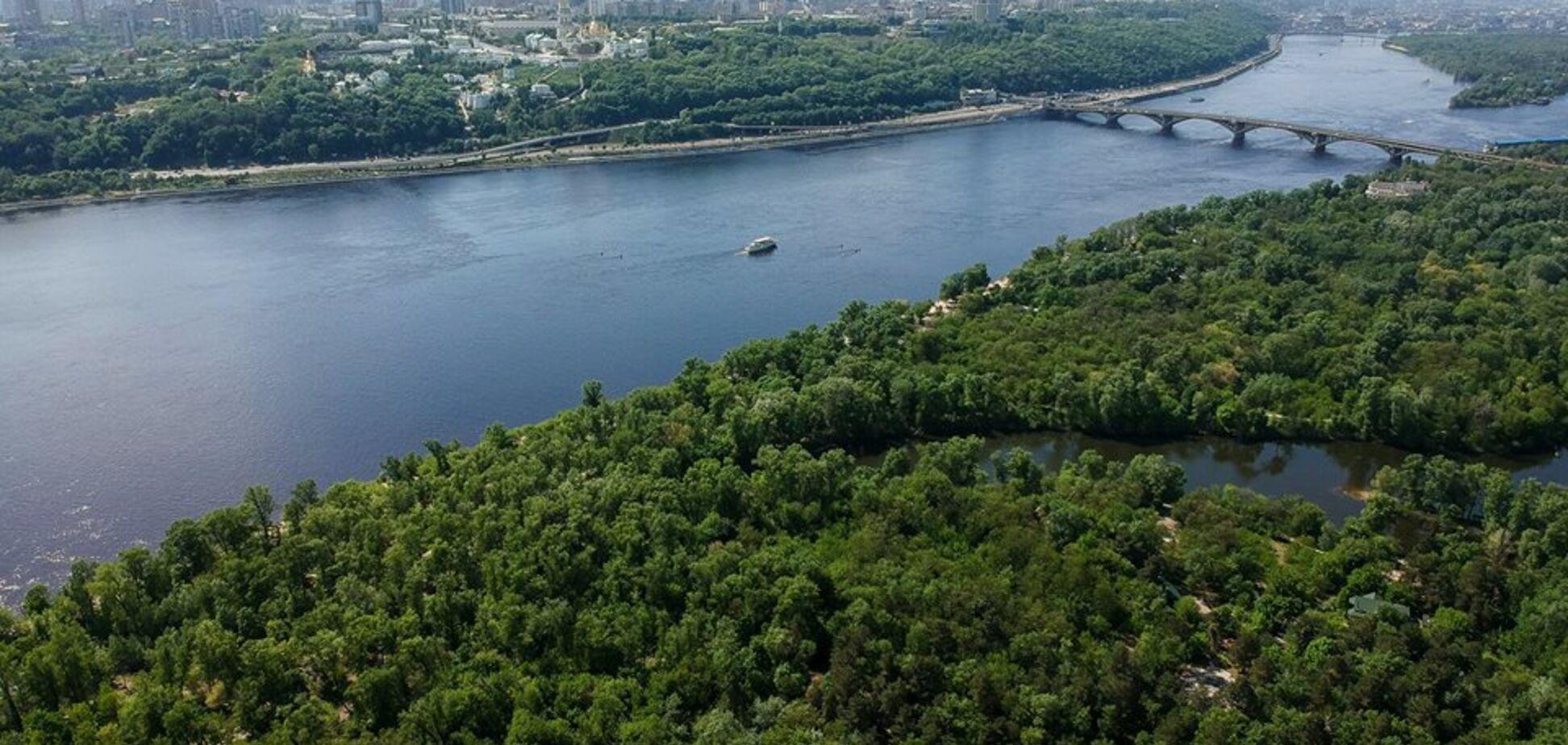 Місто-сад: опубліковані приголомшливі фото Києва з висоти