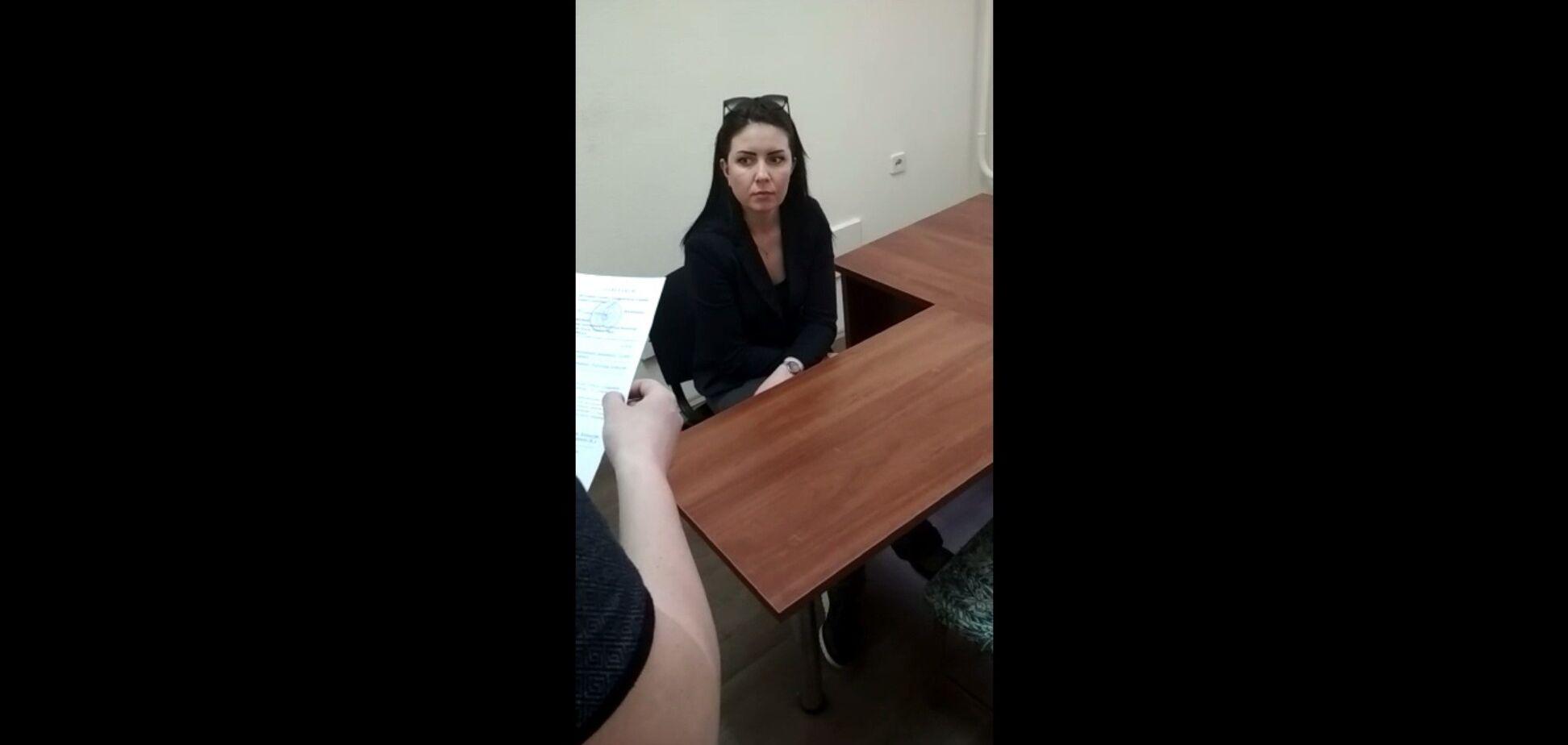 Брехали про 9 Травня: СБУ видворила двох російських пропагандисток