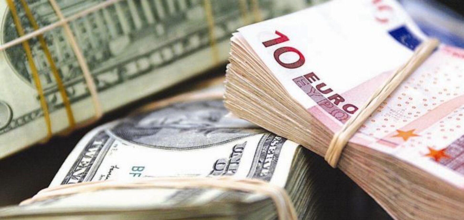 Курс гривни на лето: сколько будет стоить доллар в Украине