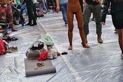 В России фитнес-модель полностью разделась на турнире: фото 18+