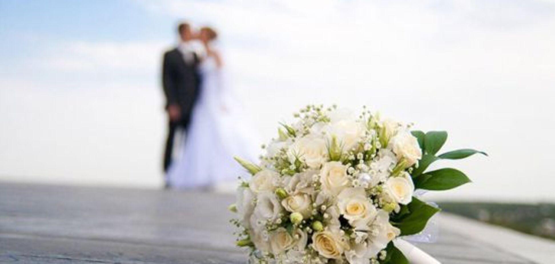 'Ах, эта свадьба, свадьба, свадьба пела и плясала…'