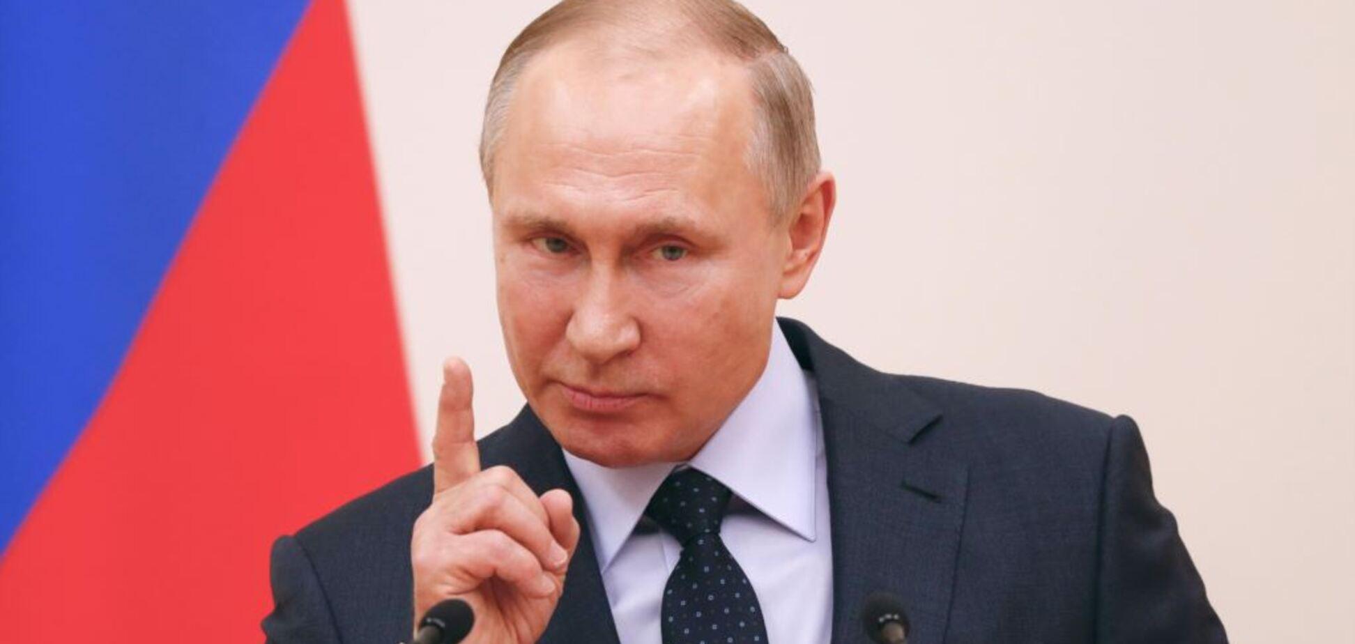 Это в Америке с президента спрашивают, а в России его просят