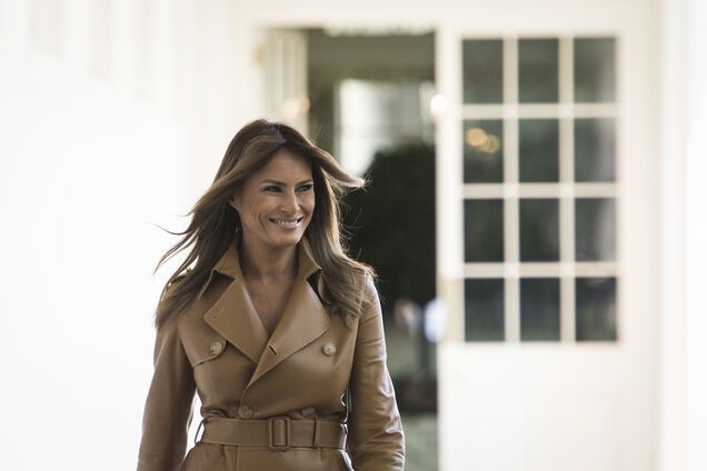 Мелания Трамп впервые вышла в свет после скандала с курткой